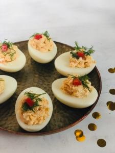 gevulde eitjes met zalm